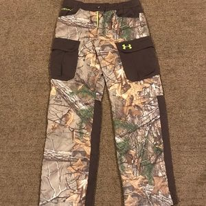 Under Armour hunting pants